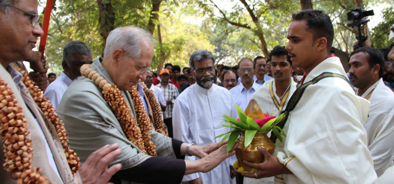 Generał jezuitów z wizytą w Indiach